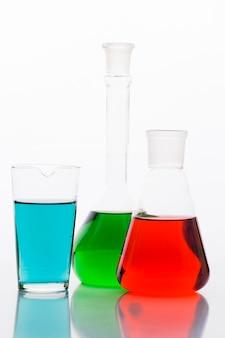 Bunte chemische zusammensetzung im labor