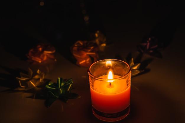 Bunte diya lampen beleuchteten während der diwali feier