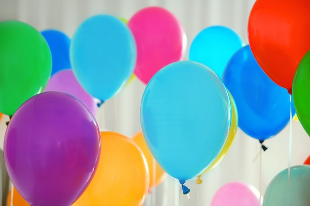 Bunte geburtstagsballons, nahaufnahme