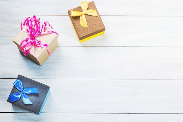 Bunte geschenkboxen