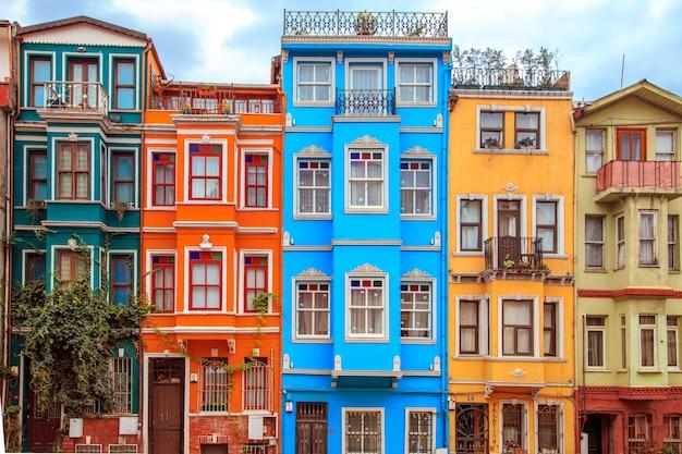 Bunte häuser des balat-bezirks, istanbul, die türkei.