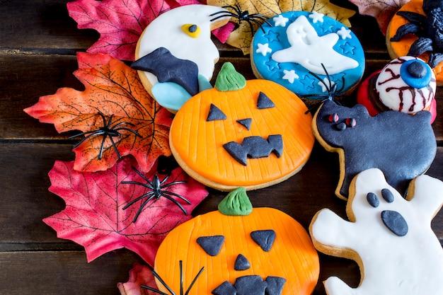 Bunte halloween-plätzchen
