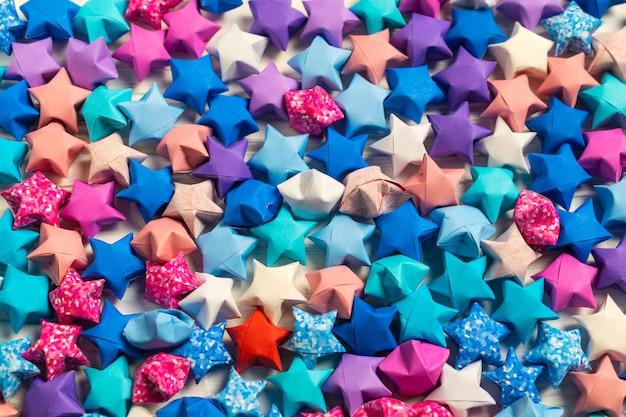 Bunte origami-glückssterne