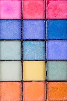 Bunte palette von lidschattenfarben