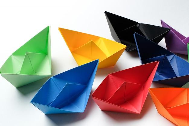 Bunte papierboote
