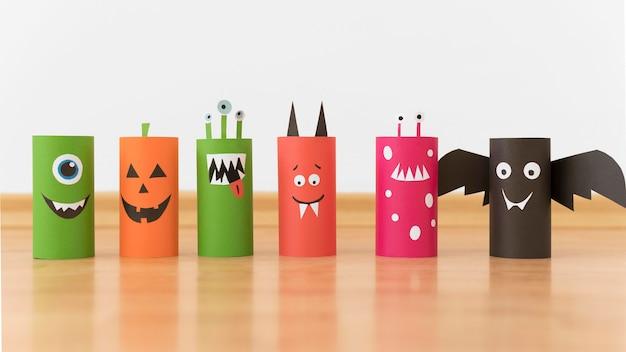 Bunte papierdekorationen für halloween