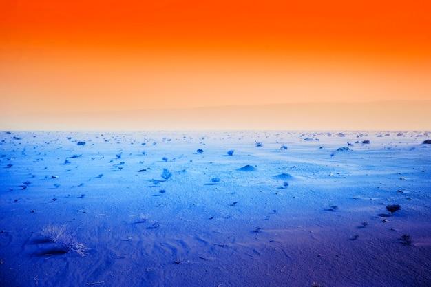 Bunte retro-dampfwellenlandschaft
