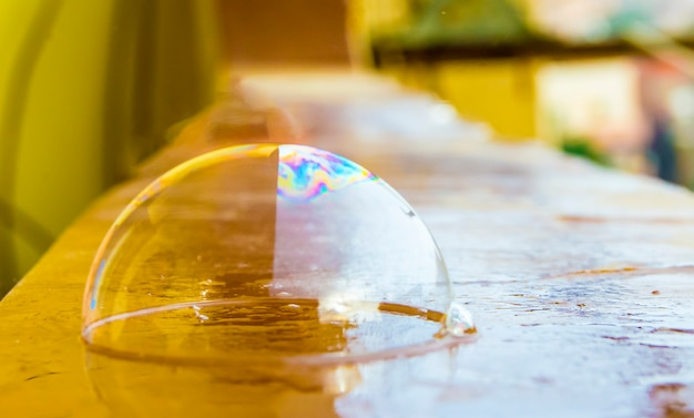 Bunte wasserblasen mit attraktiven farben