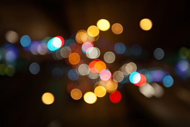 Bunten bokeh hintergrund der nachtstadtstraßenlaterne, dunkelheitskonzept