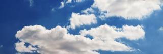 Bunten, hellen, blauen himmel hintergrund