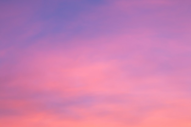 Bunter himmel nach dem sonnenuntergang. natürlicher himmel hintergrund.