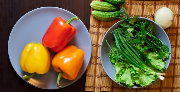 Buntes gemüse in der küche