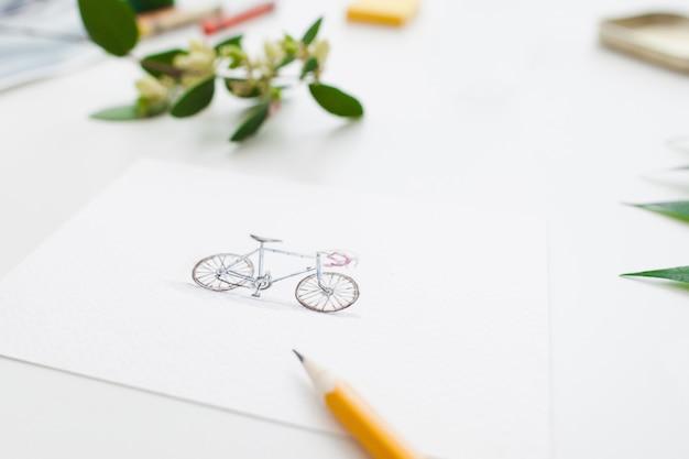 Buntes niedliches fahrrad auf grußkarte,