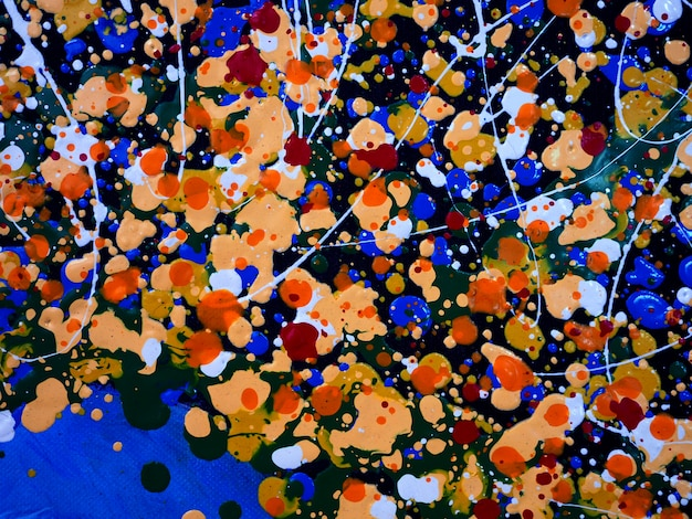 Buntes tropfenölgemälde auf abstraktem hintergrund der leinwand mit textur.