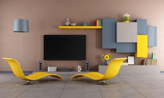 Buntes wohnzimmer mit gelben chaiselongues und fernseher