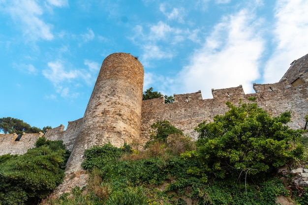 Burg der stadt tossa de mar im sommer, girona an der costa brava von katalonien im mittelmeer