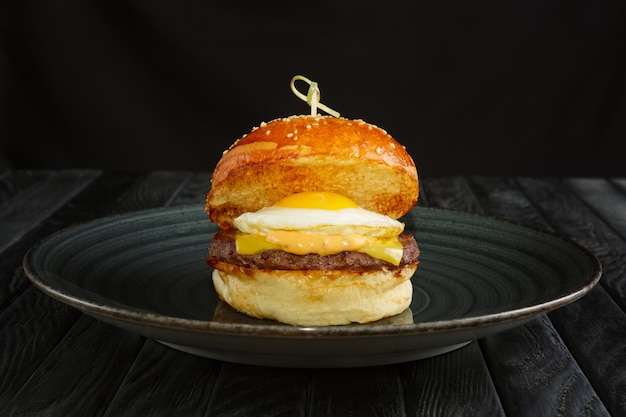 Burger mit ei