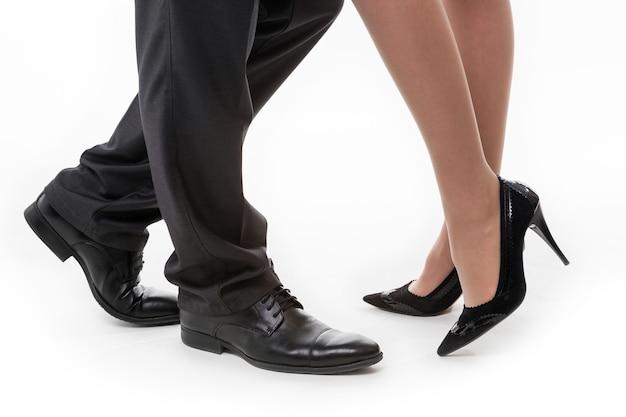 Business-beine weibliche beine männliche beine business-stil