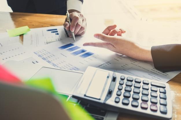 Business-team-treffen foto professionelle investor arbeiten neue start-up-projekt.