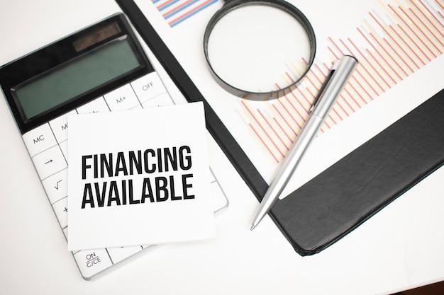 Business-zubehör, taschenrechner, berichte und lupe mit textfinanzierung erhältlich