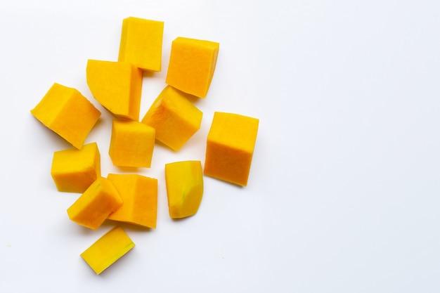 Butternusskürbis schneiden und in scheiben schneiden