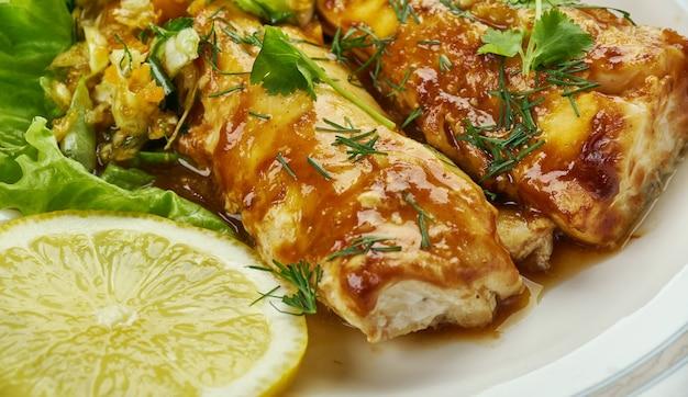 Cajun blackened cod, hausgemachte version mit chilipulver, paprika, zwiebelpulver, meersalz, knoblauchpulver, kreuzkümmel, oregano,