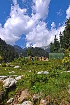Camping himmel im tal von swat