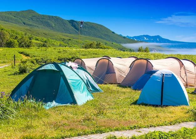Campingzelt auf dem campingplatz im nationalpark.