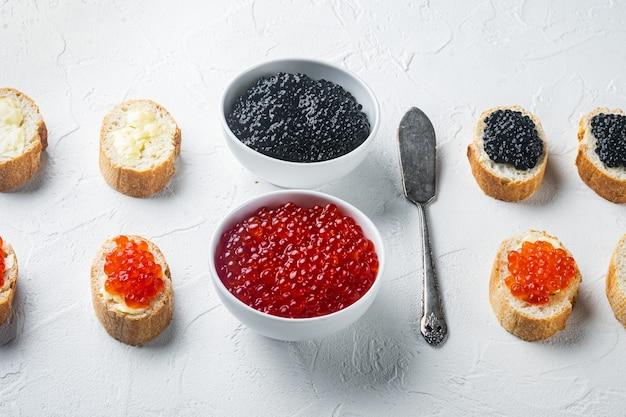 Canapes mit schwarzem stör und lachsfischkaviar