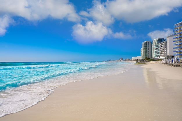 Cancun forum strand playa gaviota azul
