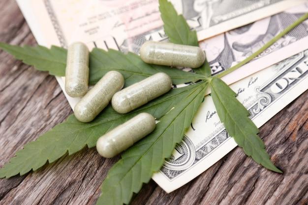 Cannabis-laubbaum für die verwendung auf gesunde weise heilmittel für einen gesunden lebensstil