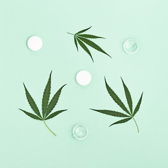 Cannabis-schönheitsprodukte, die natürliche inhaltsstoffe pflanzlichen ursprungs enthalten