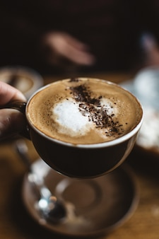 Cappuccino mit kakaostreusel