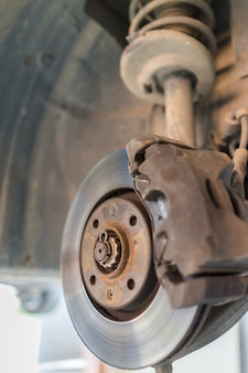 Car hub wird repariert