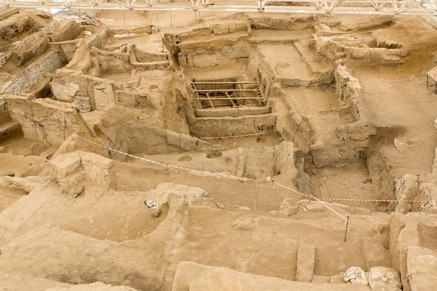 Catalhoyuk konya (türkei). erbaut im jahr 9000 v. chr. zentralanatolien, war vor 9 tausend jahren ein ort mit sehr großen neolithischen siedlungen.