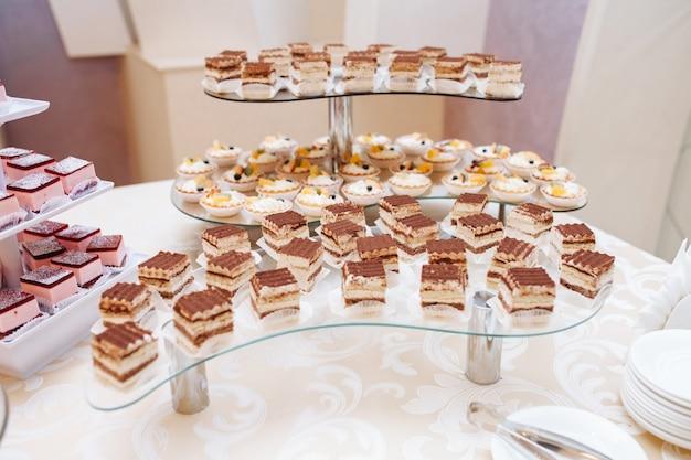 Catering essen auf dem tisch