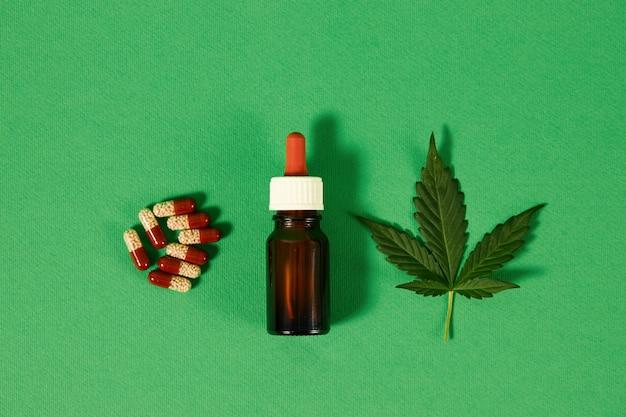 Cbd hanföl, tropf, biomedizin und ökologie, hanfpflanze, kräuter, medizin, cannabisöl aus medizinischer extraktion