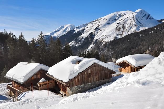 Chalets in den bergen