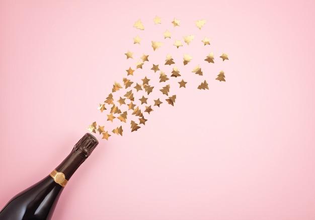 Champagnerflasche mit konfetti