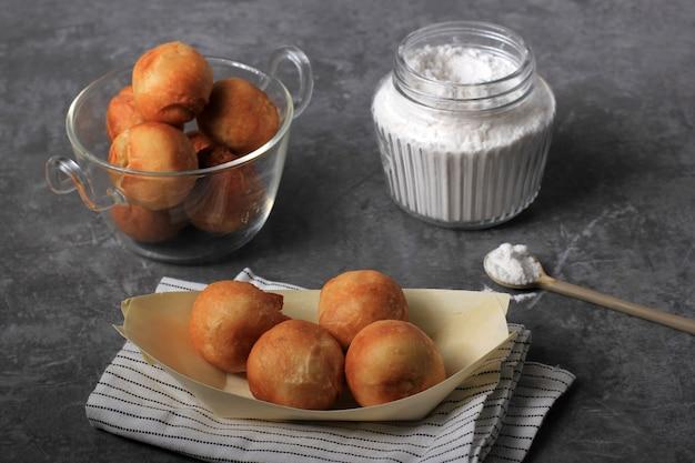 Chanukka-sufganijot. traditionelle jüdische donuts für chanukka