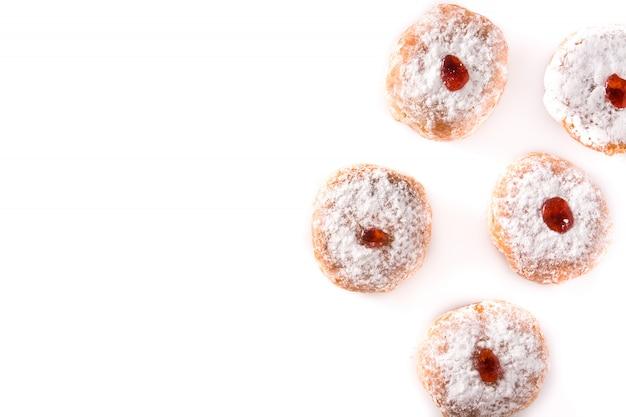 Chanukka sufganiyot, isoliert auf weiss traditionelle jüdische donuts für chanukka