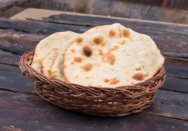 Chapati oder tanturi roti