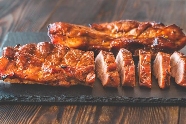 Char siu schweinefleisch - chinesisches grillschweinefleisch