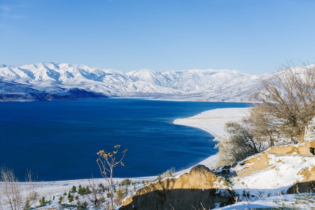 Charvak reservoir im winter in usbekistan