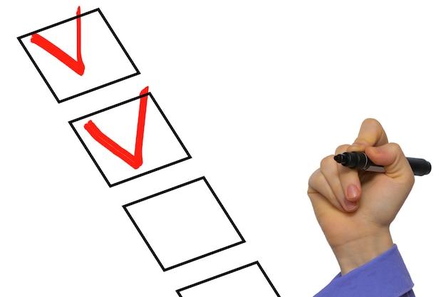 Checkliste mit häkchen isoliert auf weiß