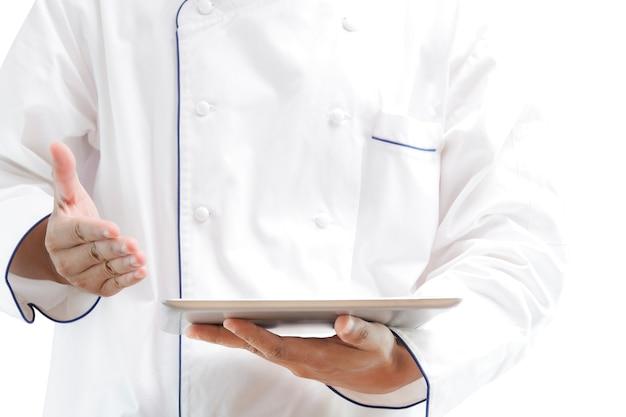 Chef, der digitale tablette verwendet