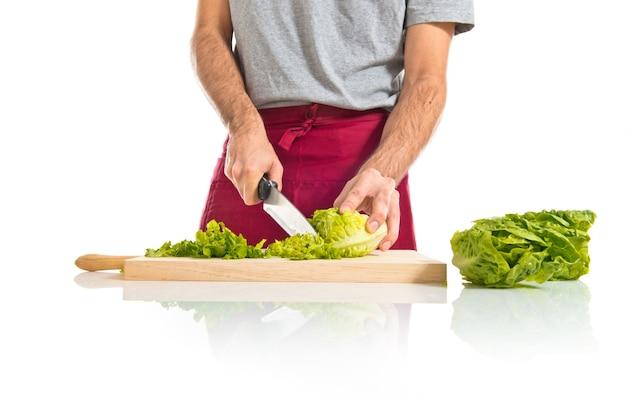 Chef schneide salat