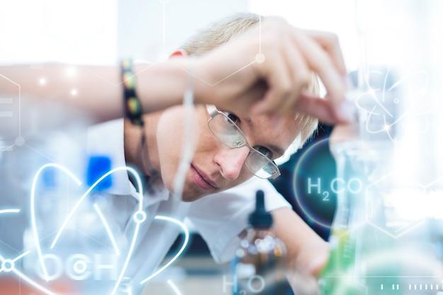 Chemie-experiment des schülers für naturwissenschaftliche bildung remix
