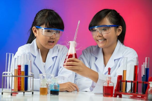Chemisches experiment