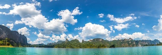 Cheow lan see, khao sok nationalpark in thailand